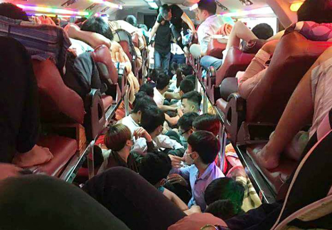 hot-crowded-and-loud-images-that-sum-up-the-holiday-in-vietnam-1