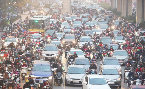 Hanoi slowly choking on rising air pollution