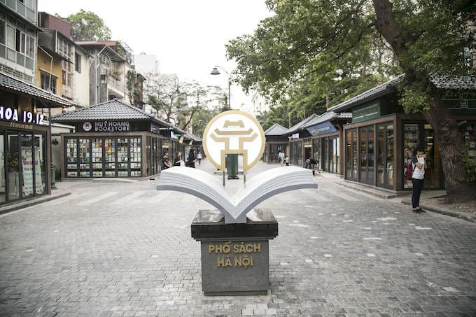 Hanoi Book Street. Photo by VnExpress/Bao Yen