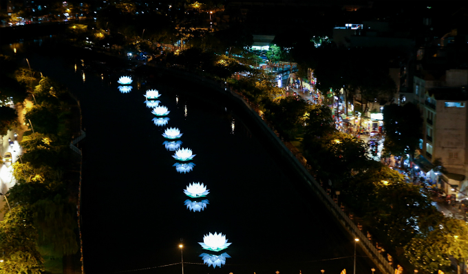 saigon-lights-up-for-buddhist-festival-1