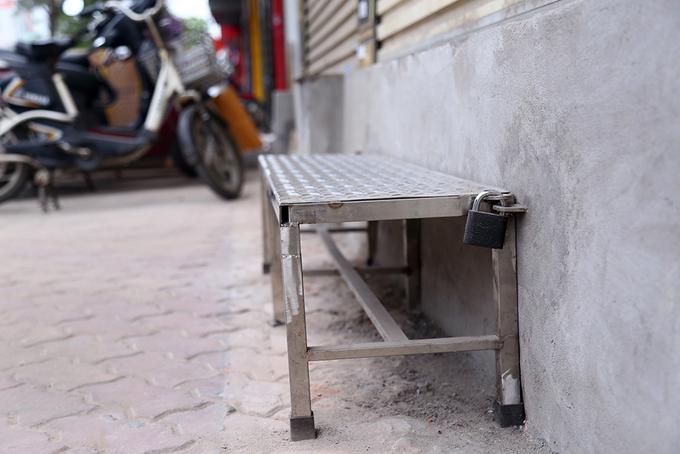 locals-retake-hanois-sidewalks-as-cleanup-campaign-dies-down-9