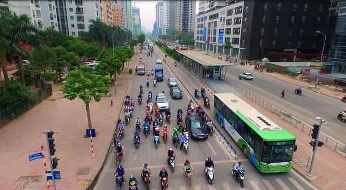 Hanoi plans to open exclusive rapid bus lanes to public buses