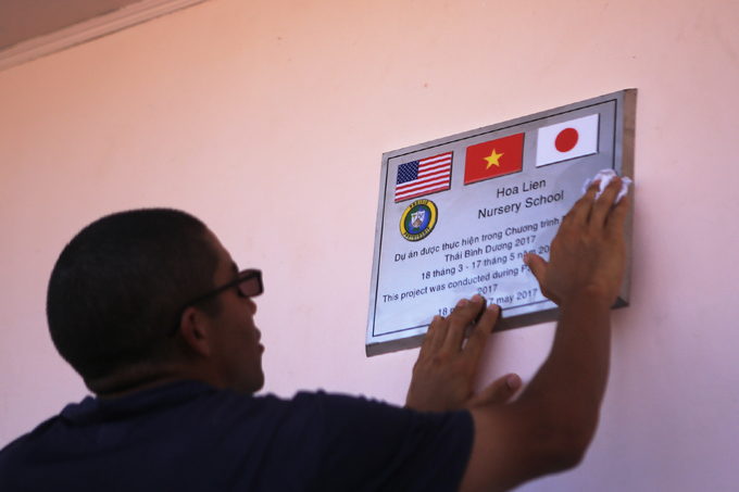 us-japan-naval-personnel-build-da-nang-nursery-school-9