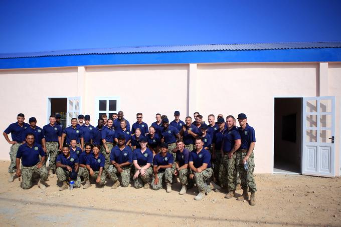us-japan-naval-personnel-build-da-nang-nursery-school-10