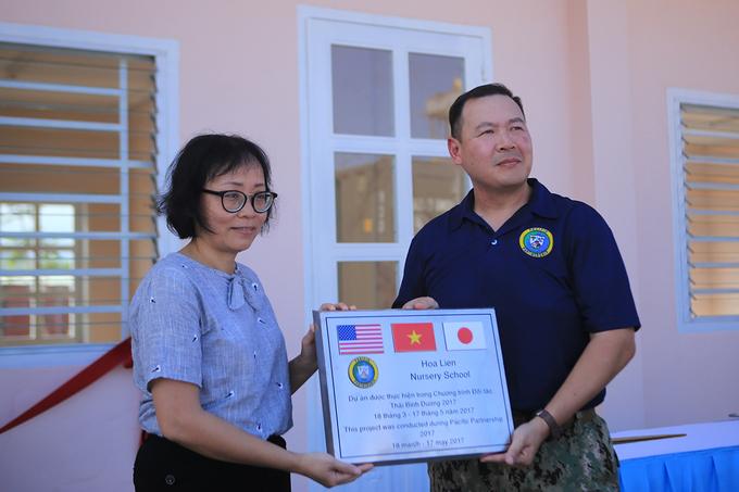 us-japan-naval-personnel-build-da-nang-nursery-school-2
