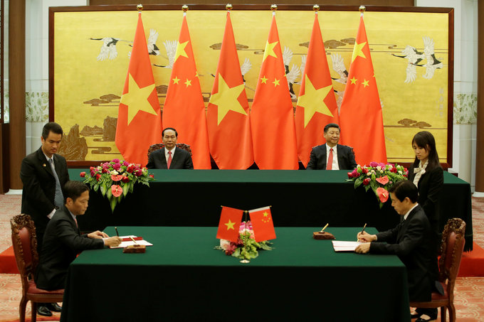Vietnam president plans to push trade with China to $100 bln a year