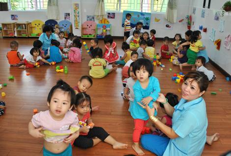 Saigon struggles to keep low-paid preschool teachers from quitting