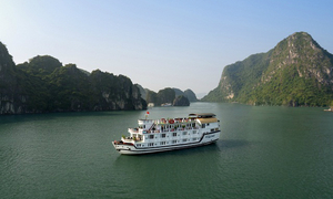 Ha Long is beautiful: A surreal trip on Paloma Cruise inspired by 'Kong: Skull Island'