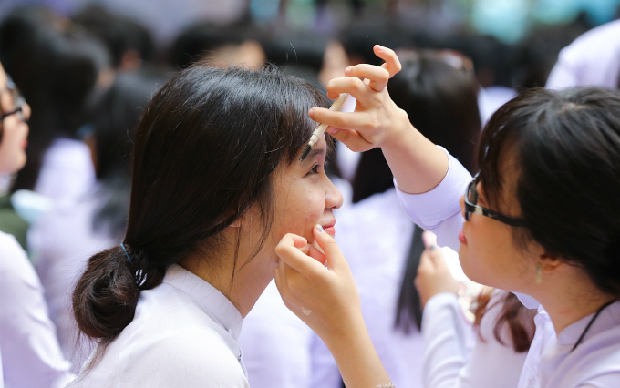 goodbye-high-school-a-vietnamese-rite-of-passage-3