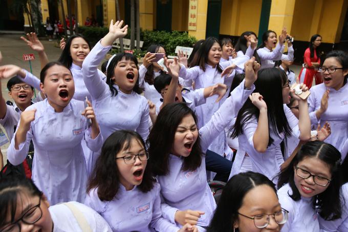 goodbye-high-school-a-vietnamese-rite-of-passage-1