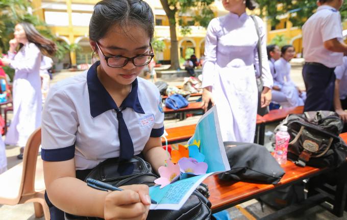 goodbye-high-school-a-vietnamese-rite-of-passage-6