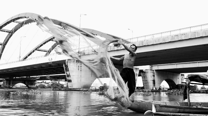cheating-the-lord-of-the-saigon-river-2