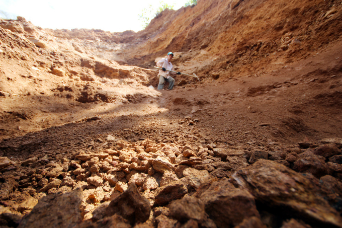 gold-rush-causes-pollution-concerns-at-abandoned-vietnamese-mine-2