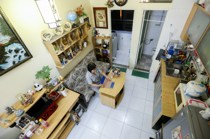 life-goes-on-in-saigons-tiny-apartments-1