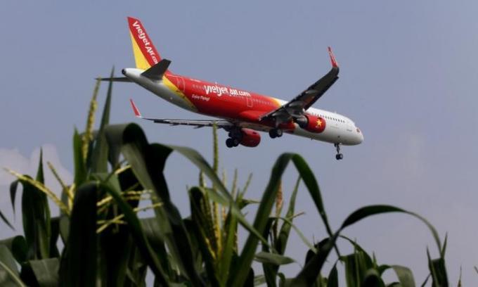 Vietnam's budget airline VietJet seeks overseas listing