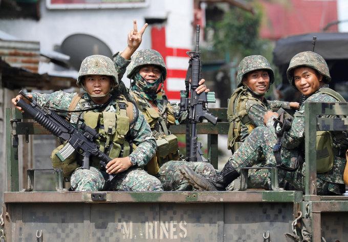 Philippines urges Islamist militants to surrender