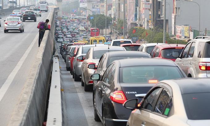 Vietnam's rising middle class drives car market forward amid regional slowdown