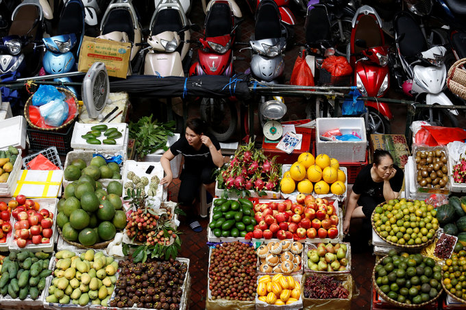Lawmakers say unsafe food giving Vietnamese 'long, slow death'