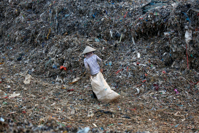 dont-look-away-shocking-photos-of-waste-from-vietnam-and-around-the-globe-2