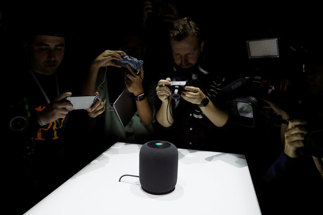 apple-debuts-homepod-speaker-to-bring-siri-into-the-living-room