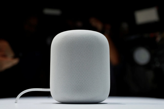 apple-debuts-homepod-speaker-to-bring-siri-into-the-living-room-1
