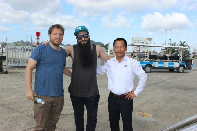 godzilla-director-visits-kong-film-sets-in-vietnam