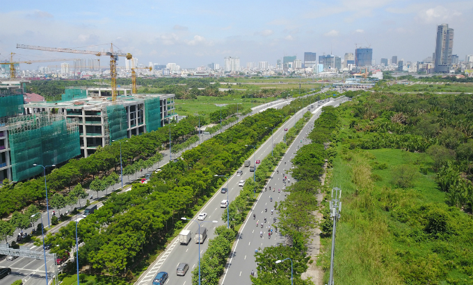 across-the-river-saigon-assembles-its-new-business-suburb-2