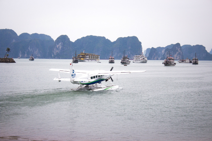 On this trip, director Jordan Vogt-Roberts wants to introduce director Gareth Edwards about the beauty of Ha Long Bay and Vietnam.