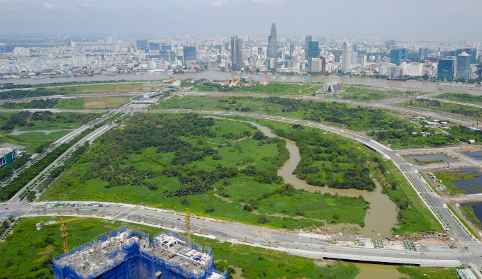 across-the-river-saigon-assembles-its-new-business-suburb-3