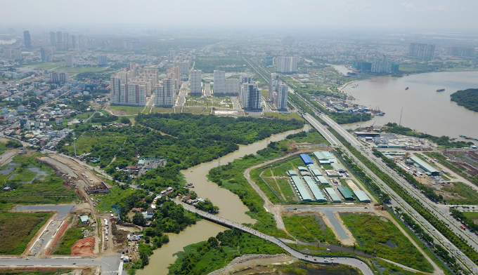 across-the-river-saigon-assembles-its-new-business-suburb-6