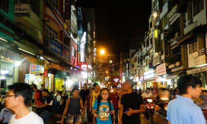 Walk this way: Saigon to pedestrianize backpacker street on weekend nights