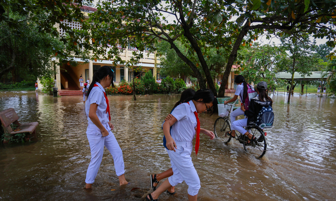 Children forced into early labor due to multiple climate change disasters in Vietnam