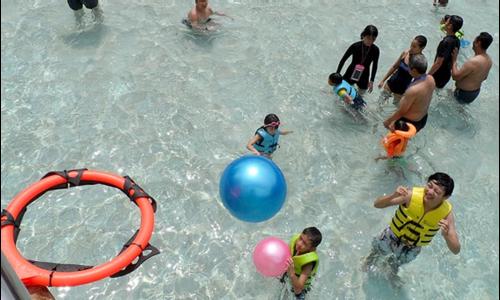 Summer holiday fun at Resorts World Sentosa Singapore