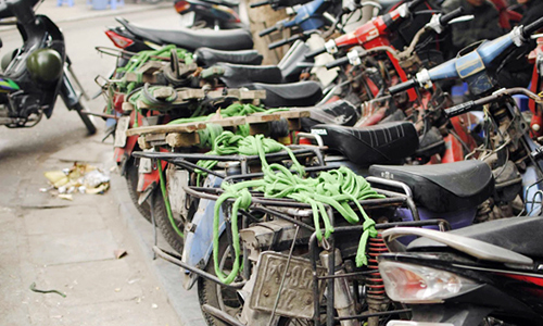 Hanoi plans to send old motorbikes to the scrap yard from early 2018