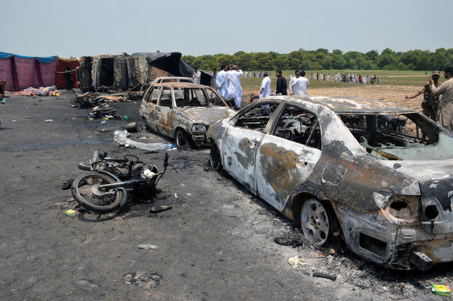 Death toll in oil truck explosion in Pakistan raised to 146