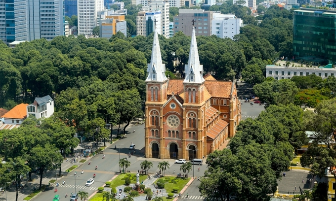 Saigon Notre Dame Cathedral closes its door to tourists for renovation