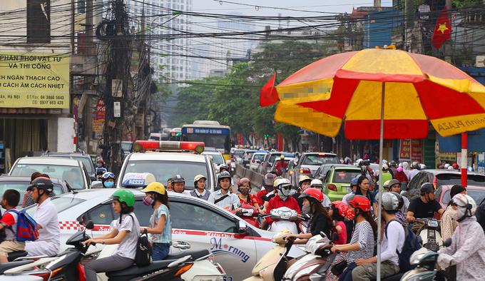 It's official: Hanoi steamrolls motorbike ban bill through
