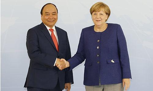 Multi-million dollar deals inked between Vietnamese, German firms