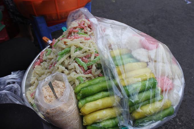 serving-up-a-storm-da-nang-market-gives-you-a-true-taste-of-vietnamese-street-food-1