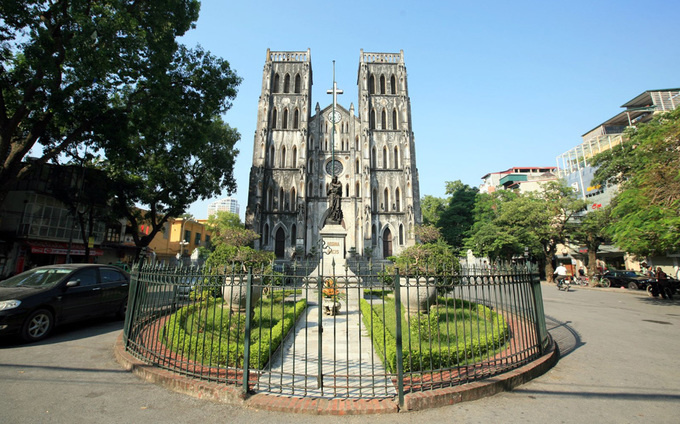10-churches-with-curious-nicknames-on-a-tour-of-vietnam-ed-1