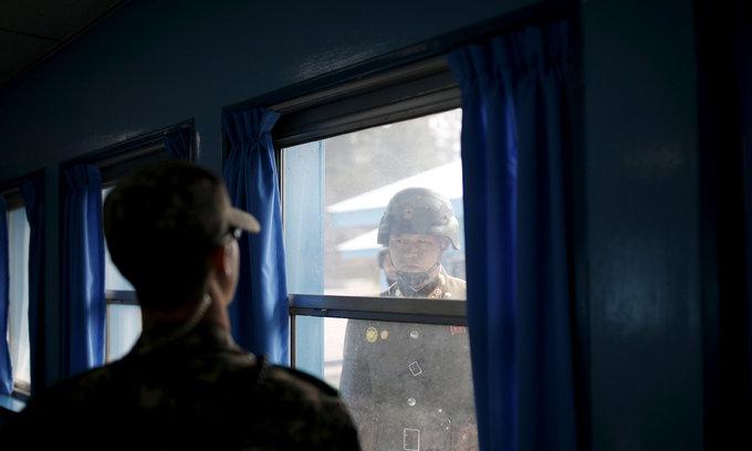 S.Korea proposes military, family reunion talks with N.Korea
