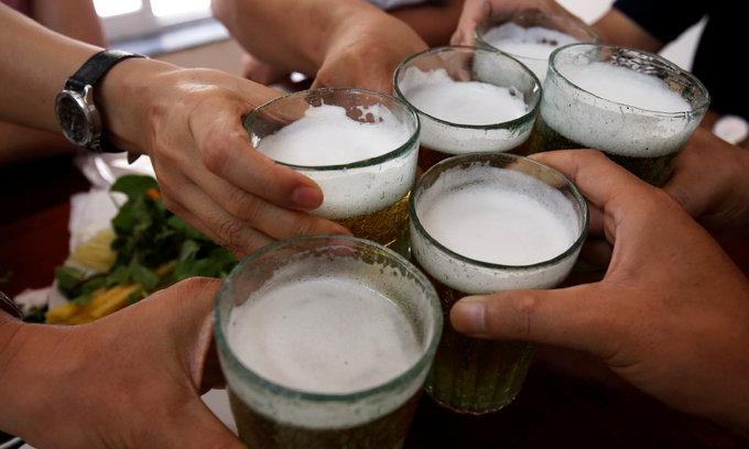 Dog-eating, drunken Vietnamese workers fail to impress overseas employers: official