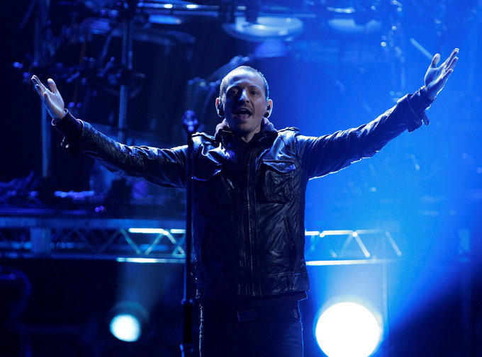 Linkin Park singer Bennington dead in apparent suicide - coroner