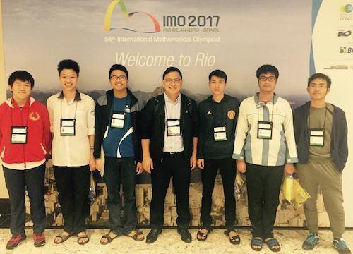 Vietnamese student wins highest score at int'l math olympiad