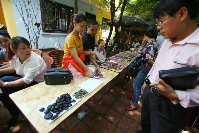 5-where-the-gemstones-sparkle-in-hanoi-3