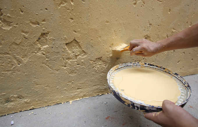 us-veteran-gives-hanois-walls-a-fresh-coat-of-paint-with-a-little-help-from-his-friends-3