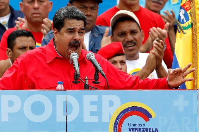 clashes-kill-five-as-venezuela-crisis-deepens-ahead-of-vote