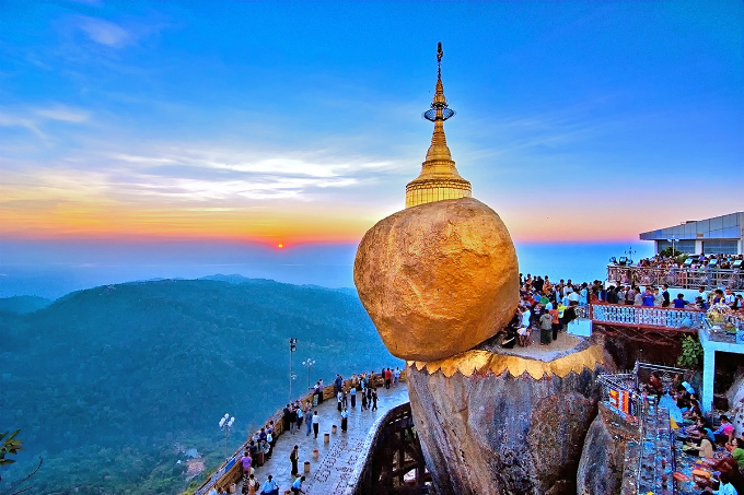 top-10-photos-of-southeast-asia-on-display-in-vietnam-6