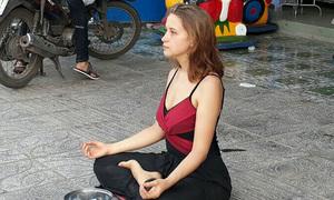Vietnam officials flummoxed by Russian beggar on popular tourist island