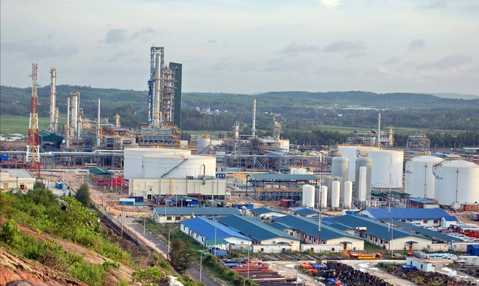 Vietnam's sole oil refinery hoping to strike it rich with $85 million stake sale: report